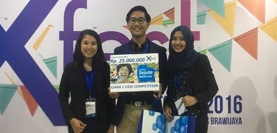 7761-tim-mahasiswa-akuntansi-feb-ugm-juara-xfest-case-competition-2016