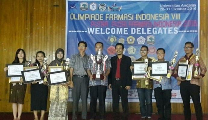 7821-mahasiswi-farmasi-raih-emas-pada-olimpiade-farmasi-indonesia-viii